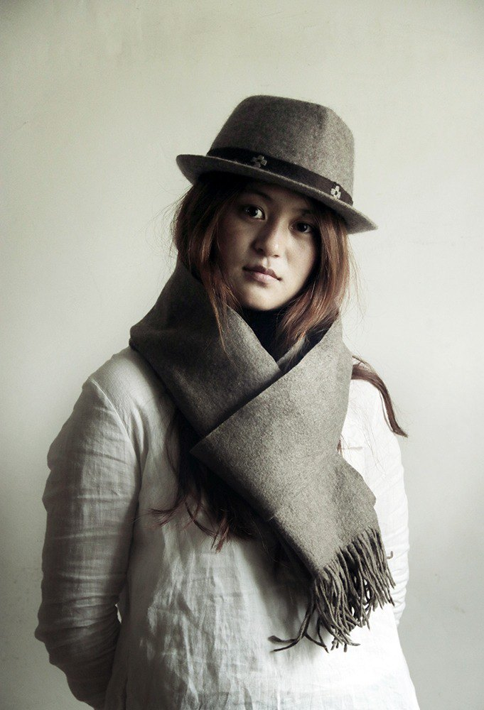 Grey Yak Wool Felt Scarf