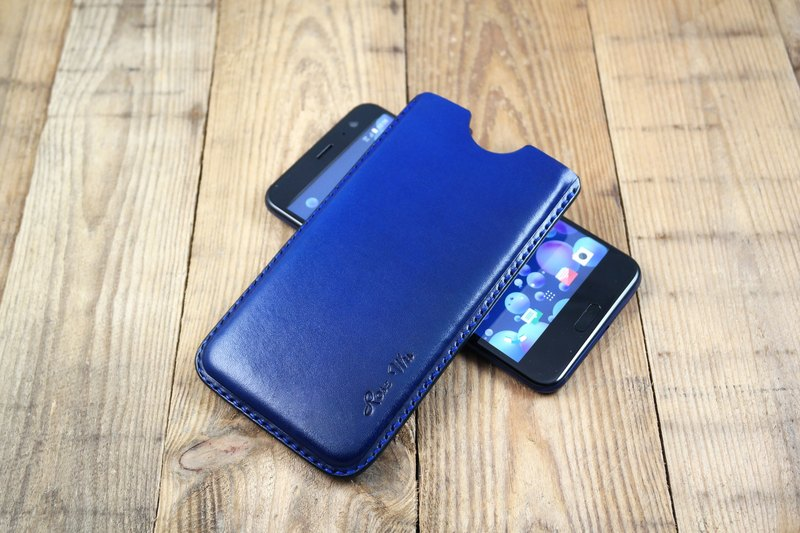 APEE leather handmade ~ plastic phone holster ~ Plain treasure blue ~ (HTC U11)