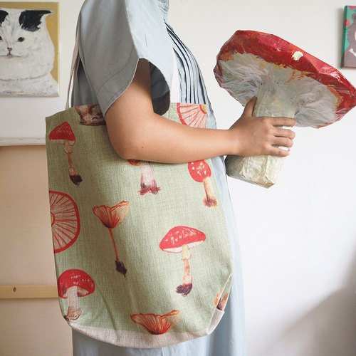 Side backpack / cotton linen bag / leisure bag / large bag / hand-drawn wind / magic mushroom / fast shipping / Christmas gift / exchange gifts