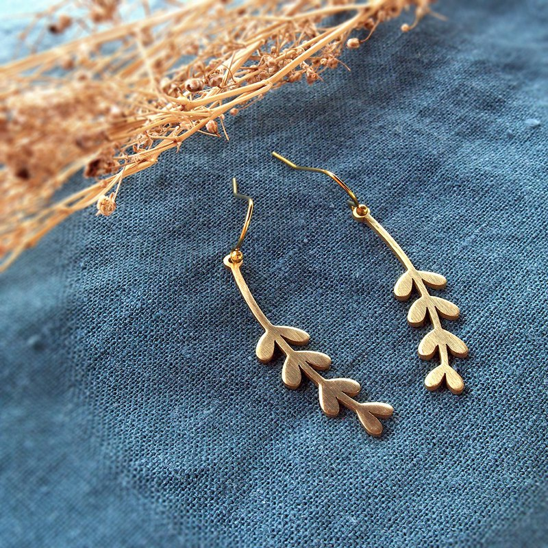 Dischidia leaves brass earrings (Handmade)