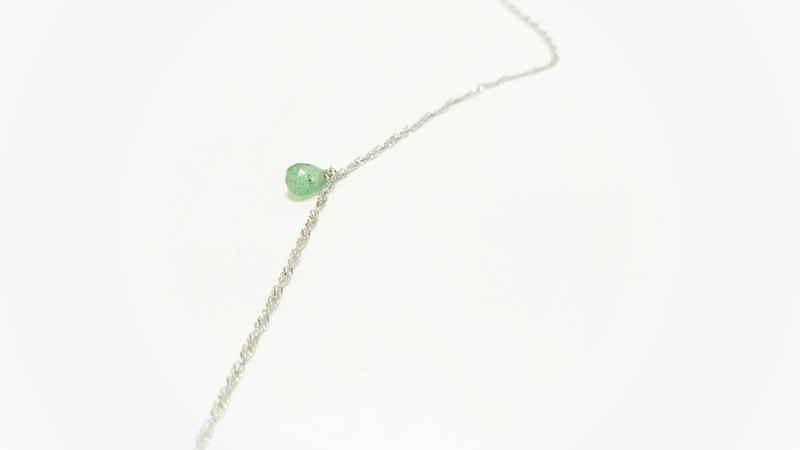 Natural emerald green strawberry crystal clavicle necklace nude light jewelry free packaging