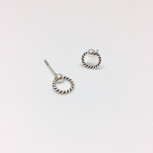 **Simple Series twist ring sterling silver earrings**