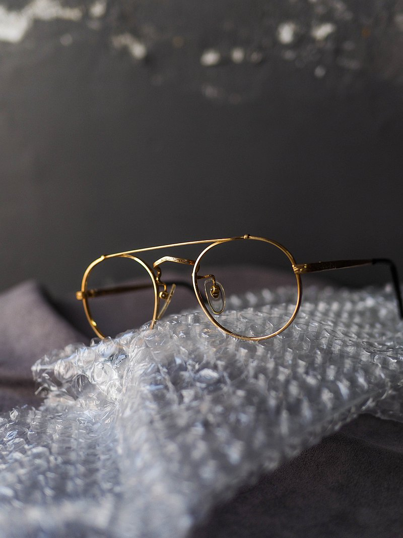 glasses • Quicksand golden nose bridge parallel bars carved mirror feet metal glasses frame 'vintage