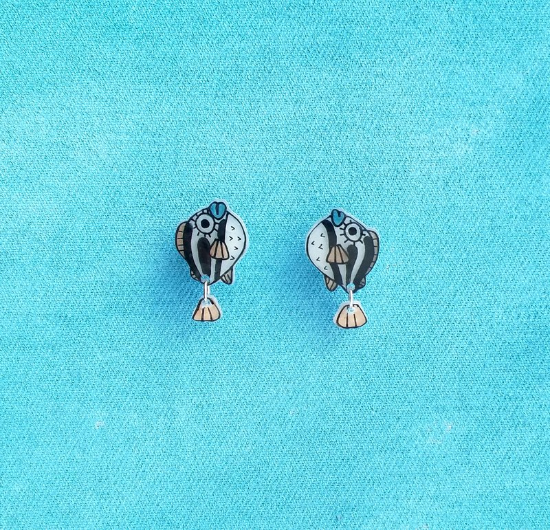 Fish Best friend series -  Puffer fish  - Earrings/ Ear clip - Hand Drawn