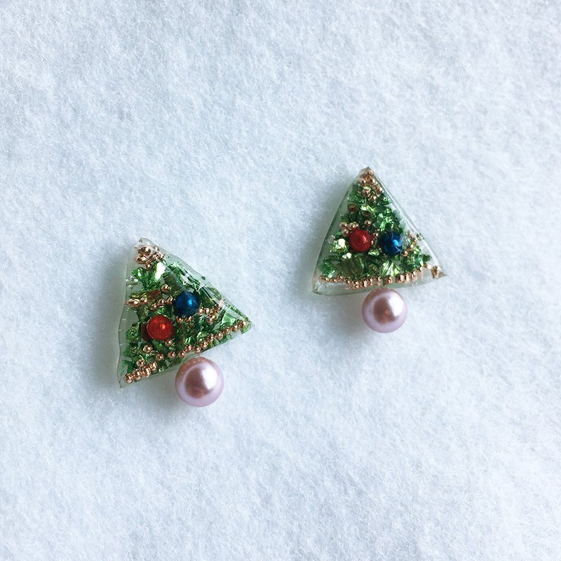 Christmas Tree and  faux-pearl stud earrings