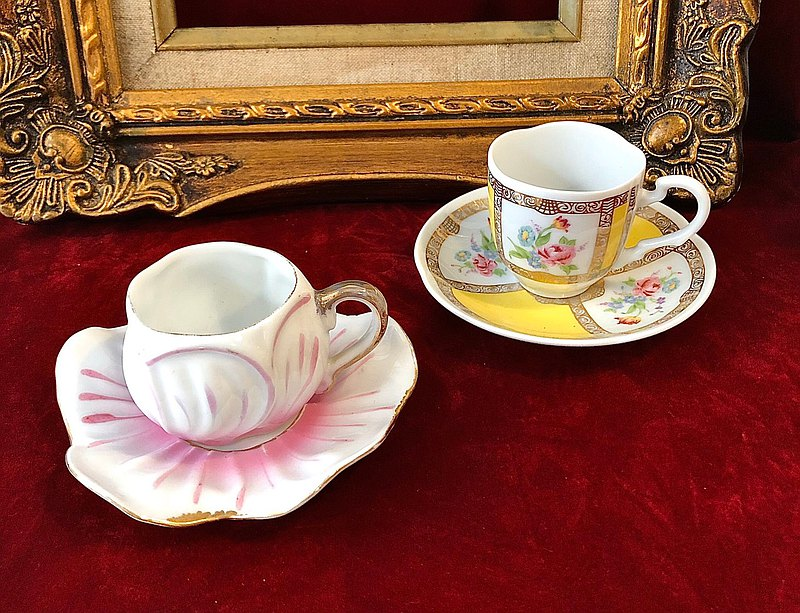 Antique mini coffee cup set