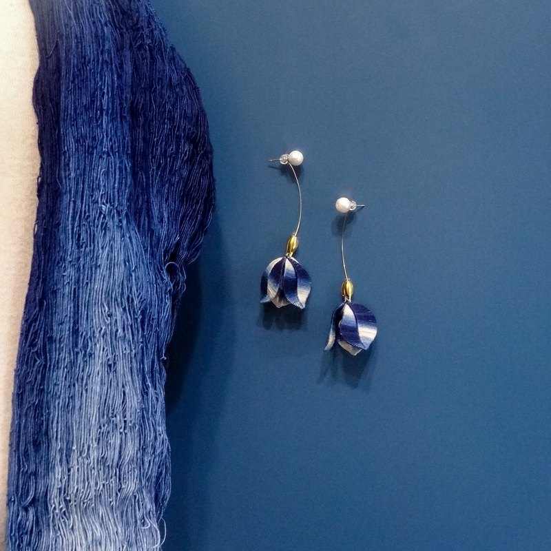 Denim blue / blue and white porcelain lily of the valley flower blue dyed gradual entwined natural stone earrings handmade blue dyed jewelry