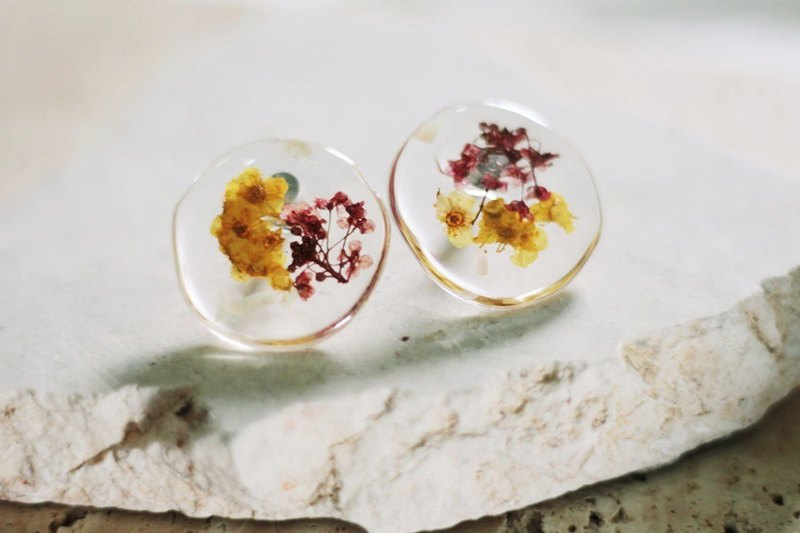 / Current / Dry Flower Specimen Resin Earrings /