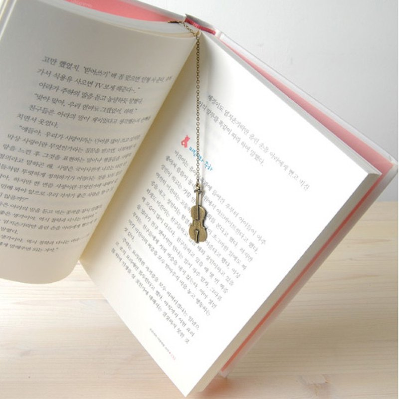 Cello Bookmark