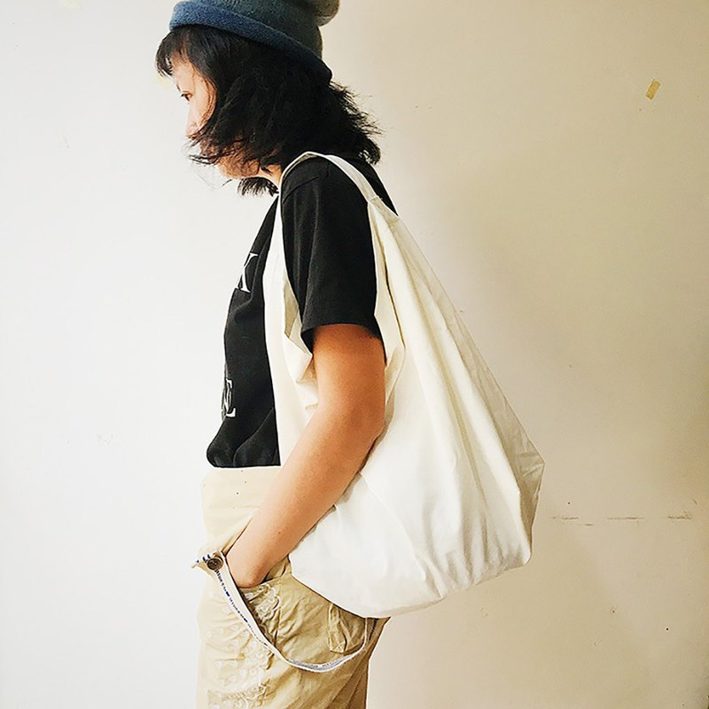 [Fasti Years] [welfare] shoulder bag - white medium