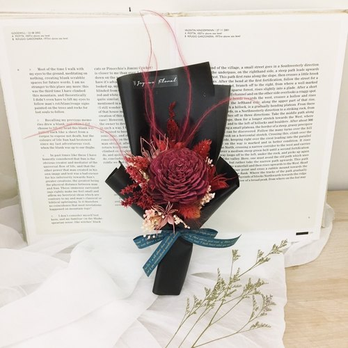 // mysterious love // ​​sun rose red black dry hand made bouquet / graduation ceremony sisters gift giving bouquet birthday
