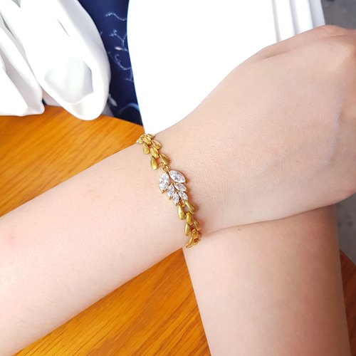 Leaves ◆ modeling zircon / brass / gorgeous / hand / bracelet gift