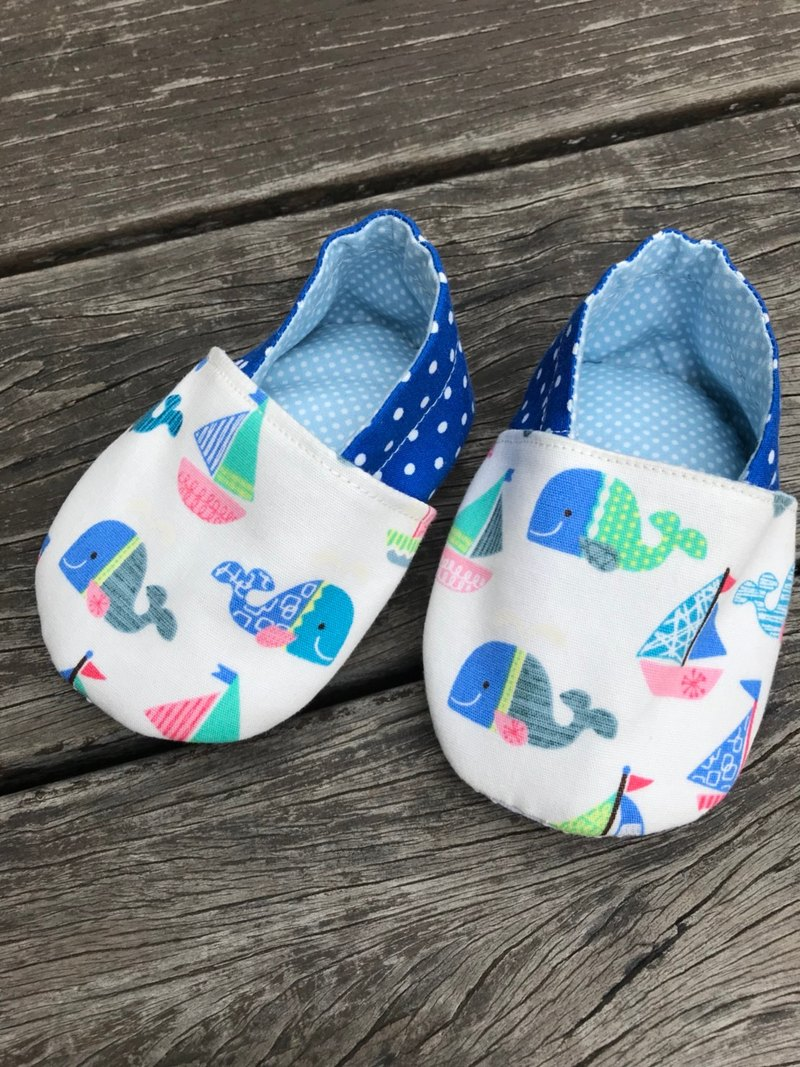Cute whale <handmade shoes. Toddler shoes> baby shoes