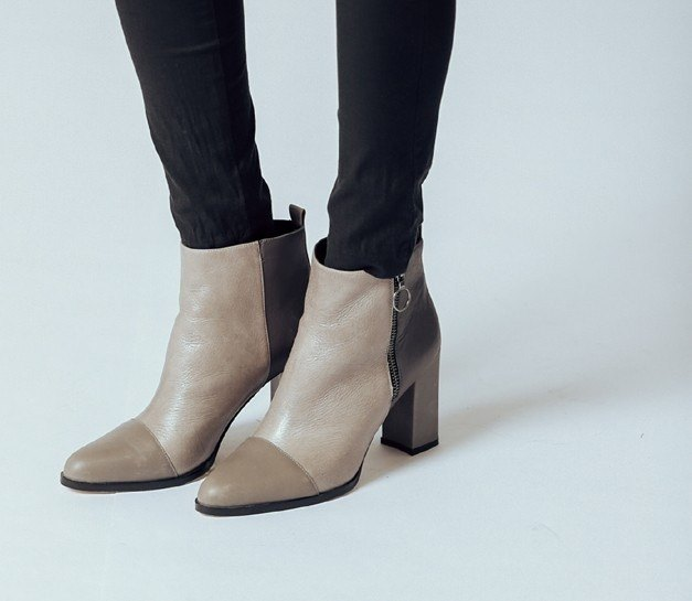 Minimalist zipper thick with dermis ankle boots gray