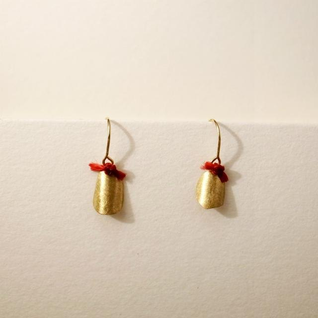 18 karat gold hook earrings: roll (S) Red