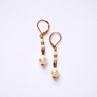 Light antique glossy big pearl pure brass earrings retro nostalgic old pieces elegant