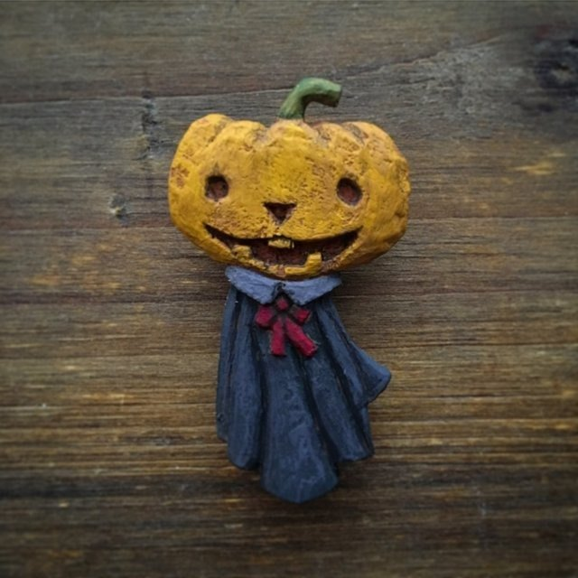 Pin resin brooch  Jack-o'-lantern