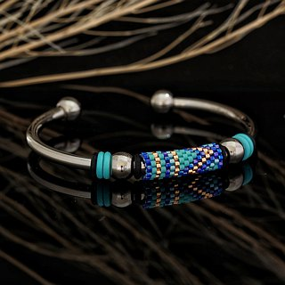 Aiko Bead with 4mm Stainless Steel Bangle