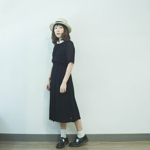 Vintage II Japanese II Black Blended Round Neck Vintage Dress II