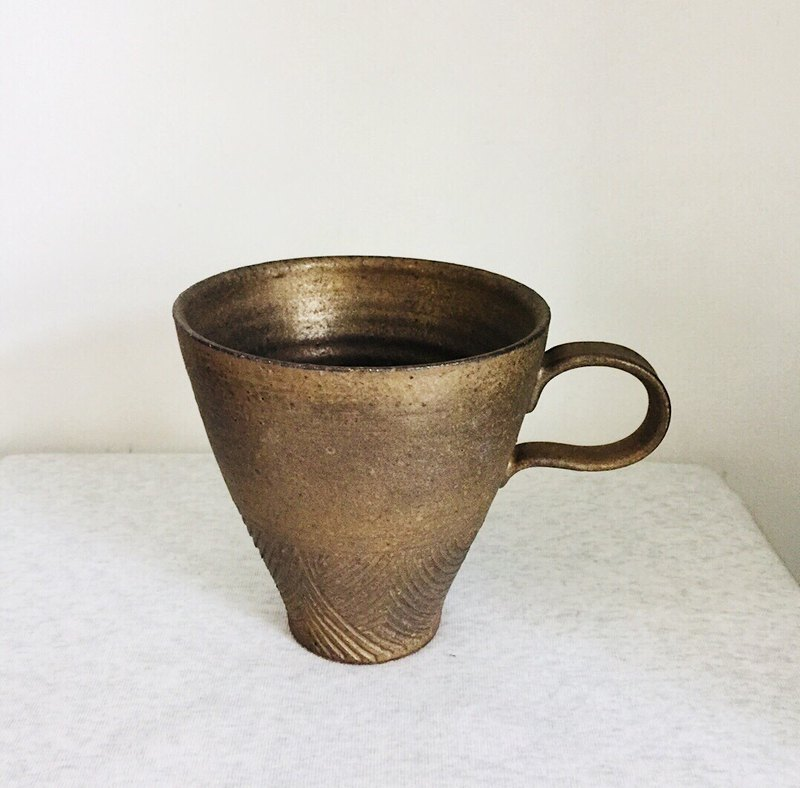 Bronze gold engraved coffee cup