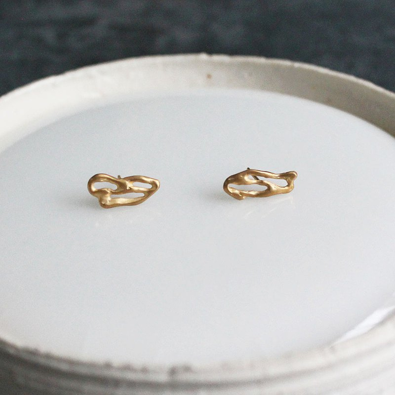 Brume stud earrings