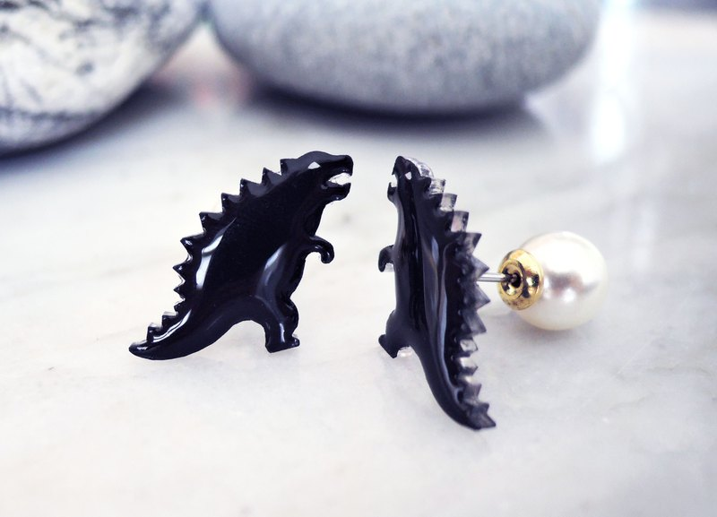 Little brother Girard handmade earrings godzilla anti-allergic ear acupuncture painless ear clip