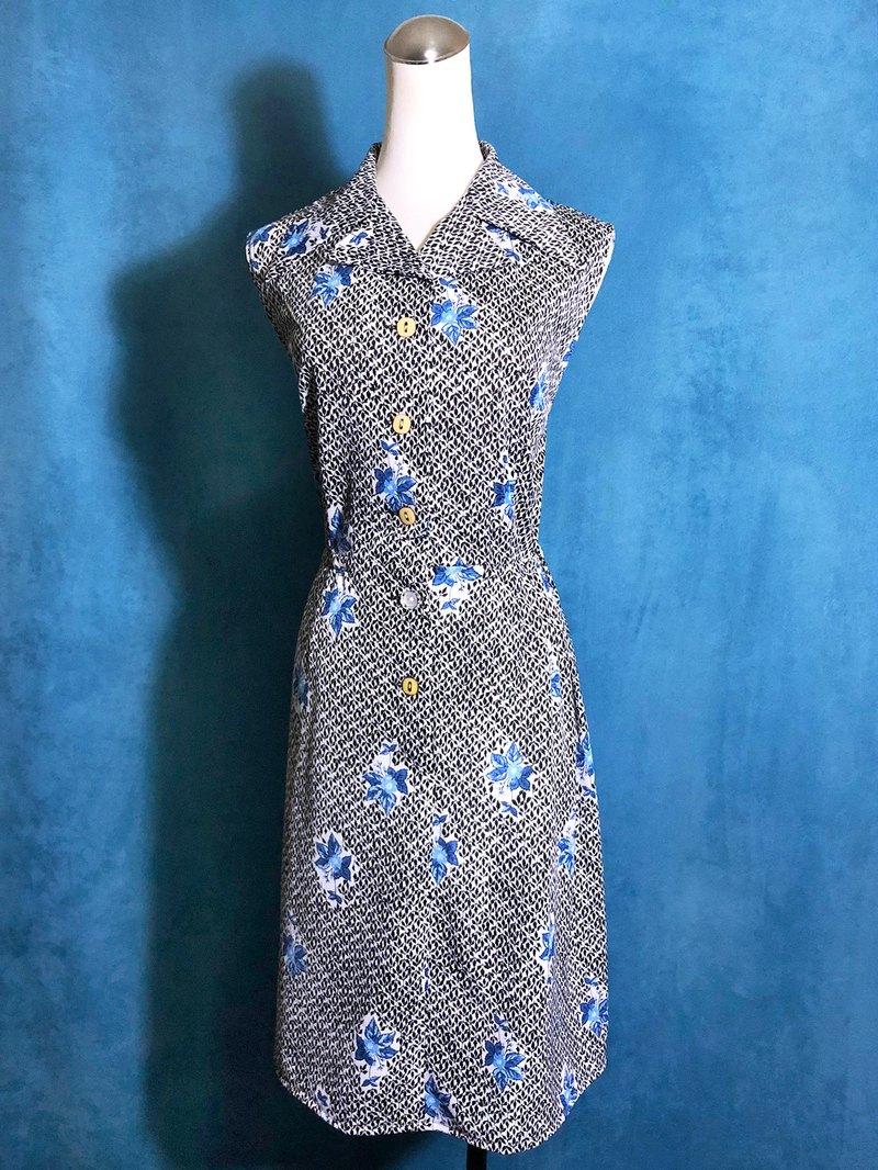 Blue flowers sleeveless vintage dress / abroad brought back VINTAGE