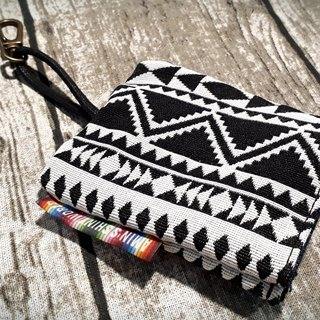 AMIN'S SHINY WORLD Hand-made national wind rough knitting key bag (can be customized)