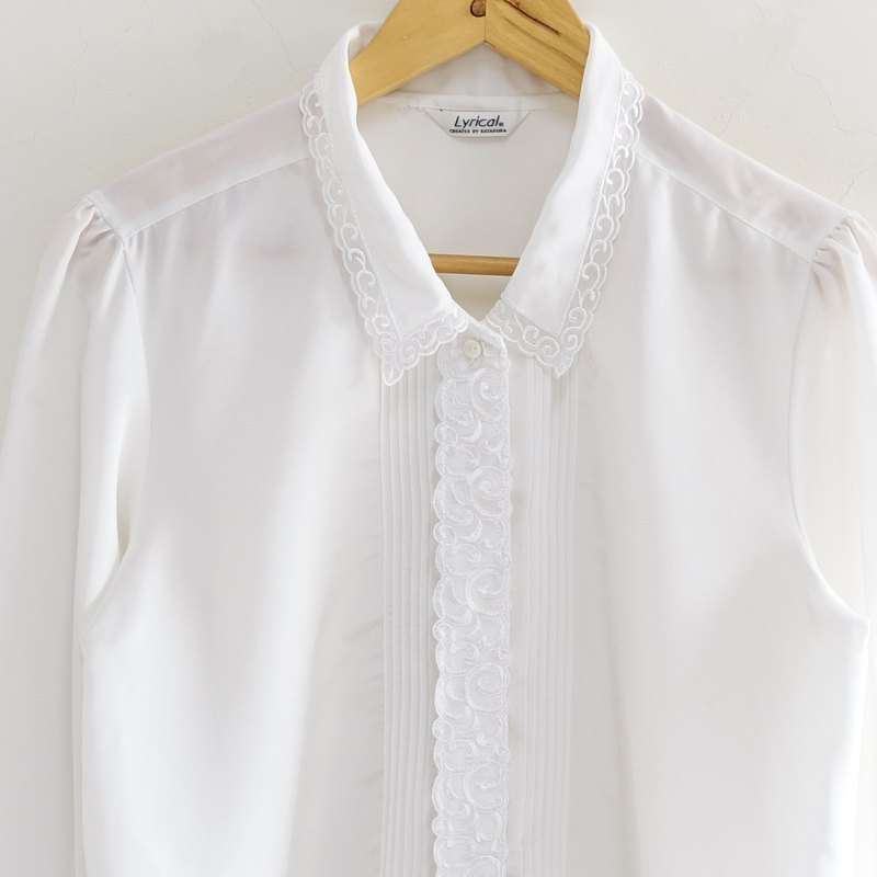 │Slowly│Classical Embroidery - Vintage Tops │vintage.Retro.Arts.Made in Japan