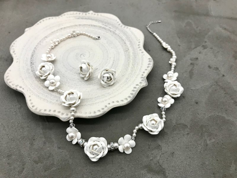 Leather Rose Pearl Jewelry Boxset│Necklace & Earrings