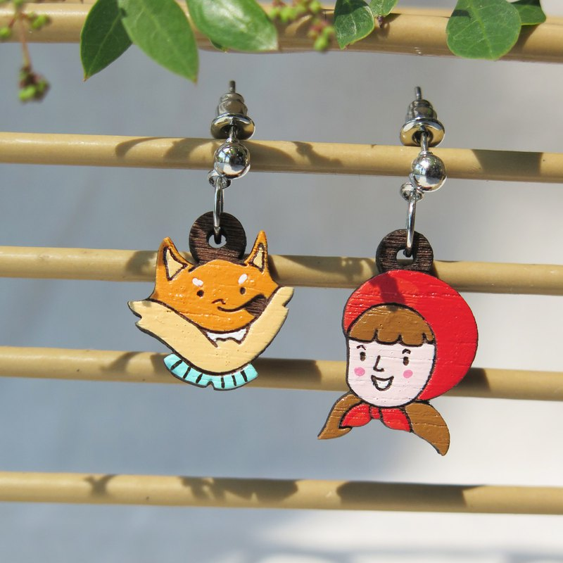 "Wooden Dangle Earring ""Little Red Riding Hood"""