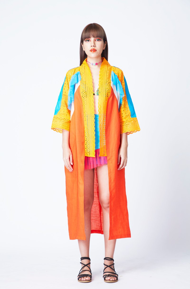MONRAK ONSEN KIMONO ROBE IN TIGER ORANGE (OR)
