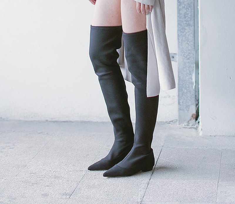 [Show products]Clear socks-style tipped boots black
