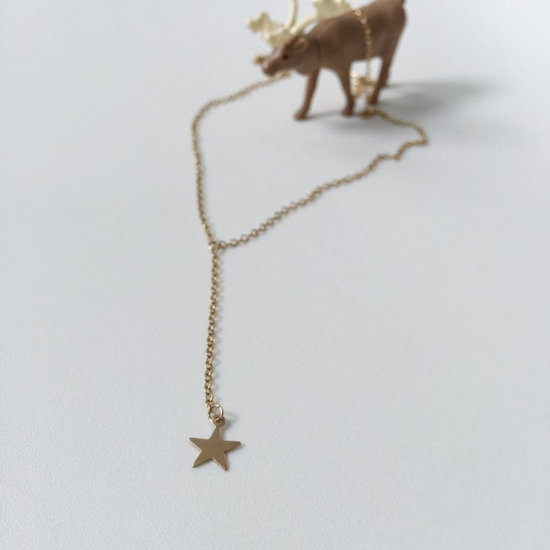 twinkle / Y shaped necklace with a star