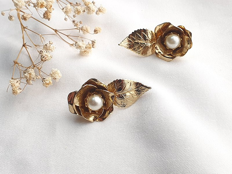 U.S. / Western antique jewelry-American brand Coro vintage clip-on earrings