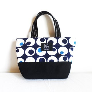 Round structure lightweight handbag