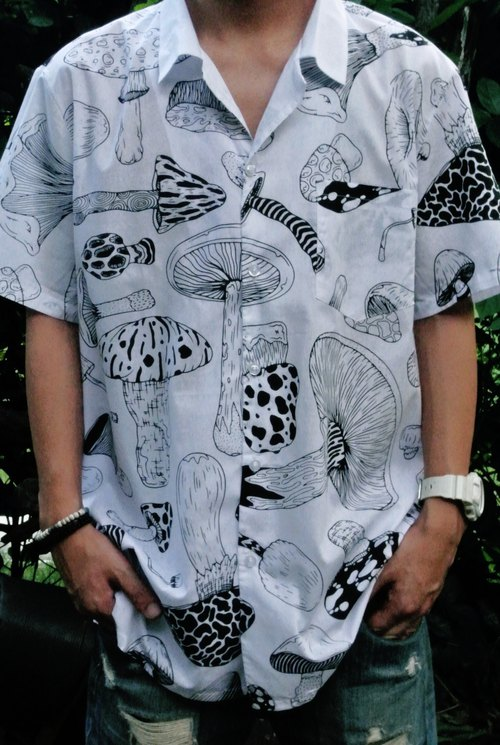 Cotton shirt printed with blackcactus pattern