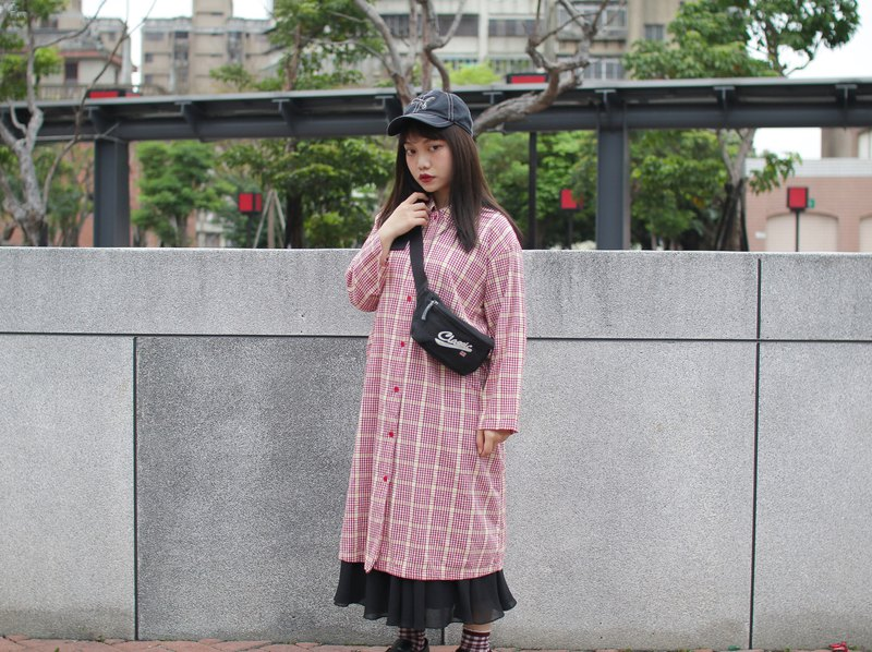 Back to Green:: long version of the check shirt two wearing strawberry milk / / vintage shirt