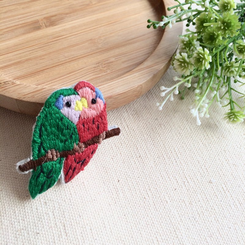 * Red and Green Parrot hand-made embroidery love brooch