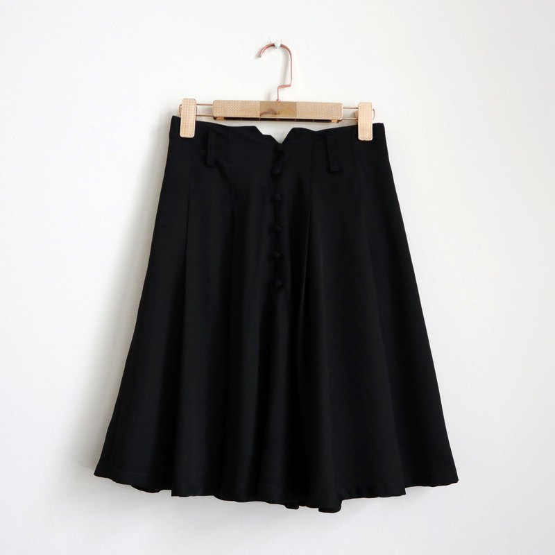 Pumpkin Vintage. Ancient and elegant black round buckle skirt