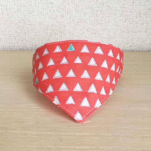 Triangle pattern pink bandana-style collar (corner Kang with)