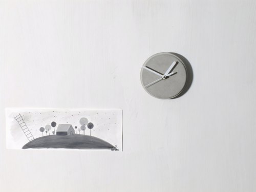 Fair face Concrete wall mount clock (Grey || Round || White Hands)