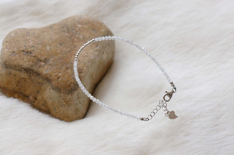 White Moon Stone Silver 925 Bracelet with Linear Memory Alloy