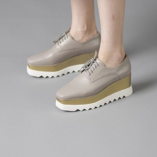 Bicolor serrated shoe straps leather platform shoes apricot brown