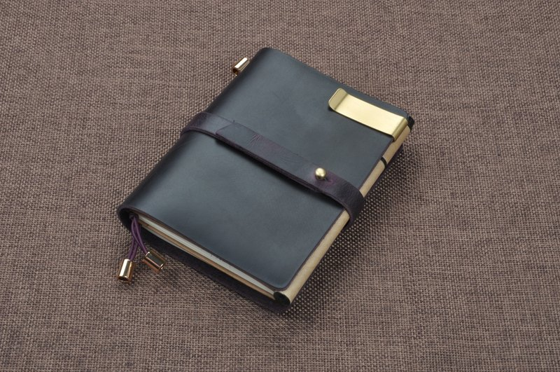 Trumpet (belt section): first layer of leather retro travel notebook notebook diary PDA (free printed English name, constellation, zodiac signs, etc.)