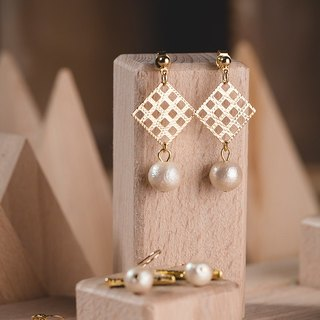 Cotton Pearl Earrings - Square grid