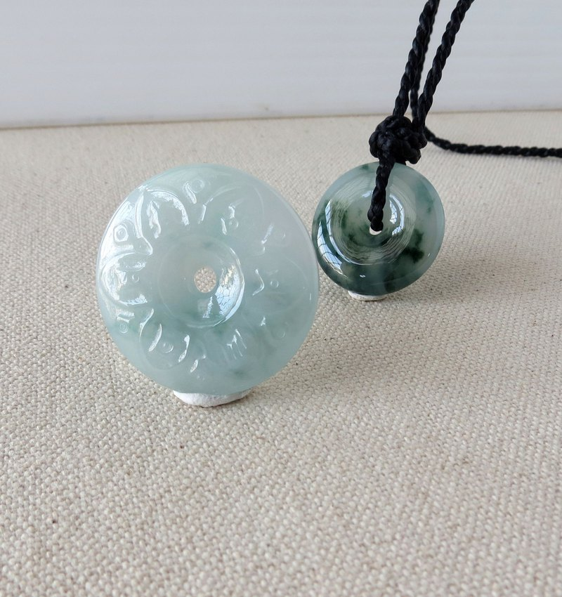 The birth year [six-character big mantra] floating flower peace buckle emerald silk wax line necklace ** [four shares]