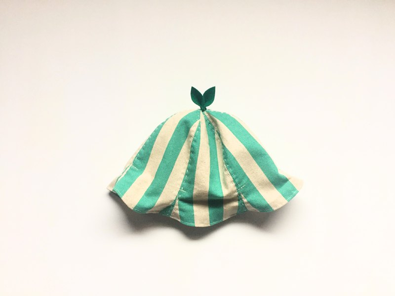 Grow Up! Leaf Hat / Turquoise blue Stripes