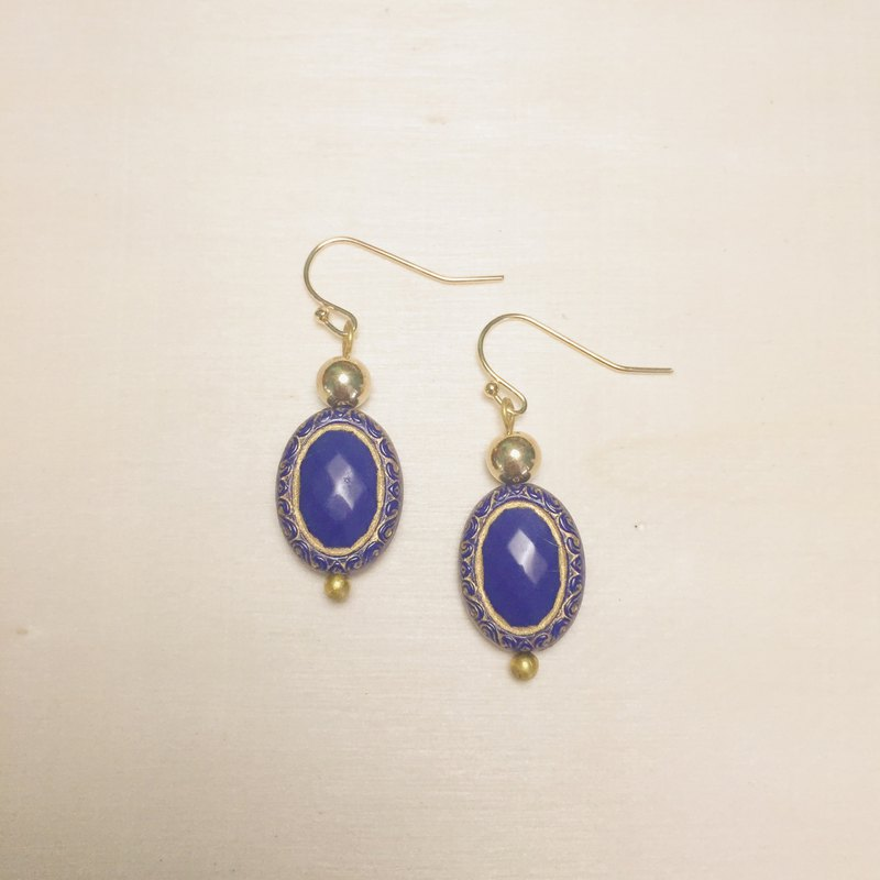 Vintage engraving sapphire gold ball earrings