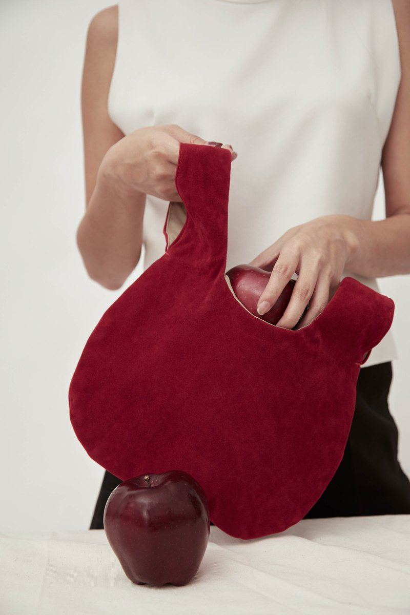 Round Wristlet in Red - Knot Bag